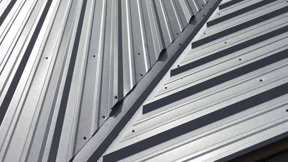 What Are the Pros and Cons of a Metal Roof?